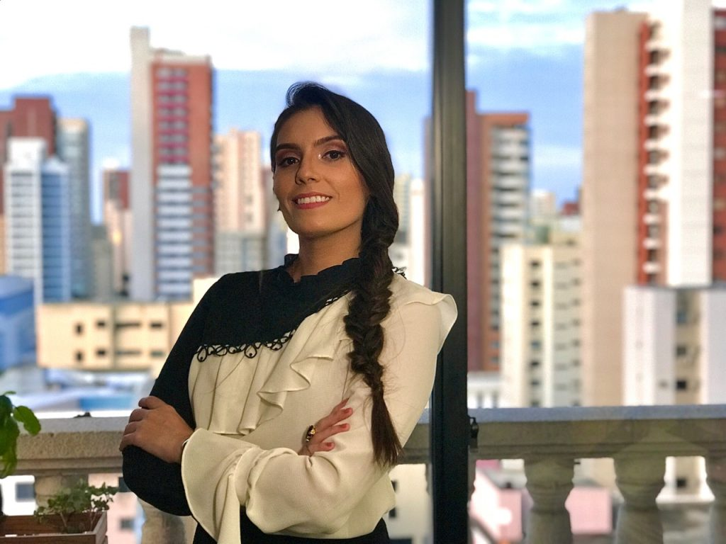 Giulianne Batista - Comunicação Corporativa Advance